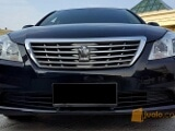 Foto Toyota Crown 3.0 G A/T Royal Saloon Tahun 2012