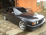 Foto Bmw e34 520 i sunroof built up (bandung)