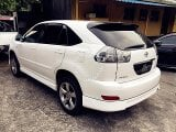 Photo 2004 Toyota Harrier 3.0 (a)