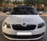 Photo GCC 2017 Skoda octavia white color full option...