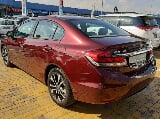 Photo Honda civic 1.8 i-vtec 2015 maroon - gcc full...
