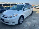 Photo Used Toyota Sienna 2010