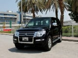 Photo Rent a 2017 Mitsubishi Pajero in Dubai - AED...