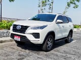 Photo Rent a 2021 Toyota Fortuner in Dubai - AED 300...