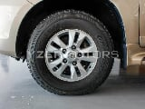 Photo Toyota Land Cruiser VXR 5.7L