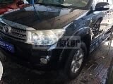 Photo Used Toyota Fortuner 4.0L 2010 Car for Sale in...
