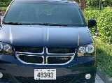 Photo 2017 Dodge Caravan VERY CLEAN