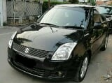 Foto Suzuki Swift st 2010 AT hitam // ela