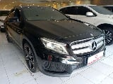 Foto 2015 Mercedes Benz GLA 200 AMG Panoramic