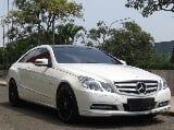 Foto Mercedes Benz E250 Coupe AT 2011 Full Spec...
