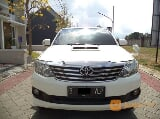 Foto Toyota Fortuner 2.5G Putih AT 2012
