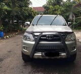 Foto Toyota Fortuner G AT Tahun 2008 Automatic