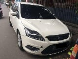 Foto Ford Focus S 2011 AT Putih Tgn1 Km64rb