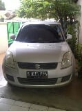Foto Suzuki Swift Automatic 2012