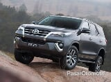 Foto Toyota Fortuner G A/T