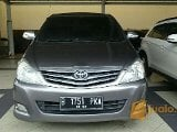 Foto Oyota Innova G AT 2.0 Grey 2010 dp murah