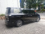 Foto 2015 Nissan Elgrand 2.5 Highway Star MPV