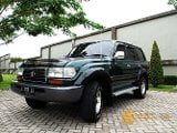 Foto Toyota Land Cruiser VX80 Diesel Manual Hijau...