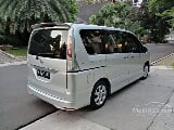 Foto 2013 Nissan Serena Highway Star AT silver metalik