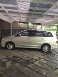 Foto Toyota innova v 2.0 Luxury AT 2014