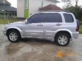 Foto Suzuki Escudo Two Point' O Tahun 2002. Manual