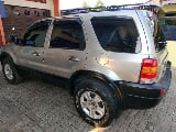 Foto Ford Escape Limited 2004 SUV dijual