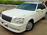 Foto Dijual Toyota Crown Royal Saloon (2003)
