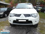 Photo 2011 mitsubishi triton 2.5 at 4x4 tahun dibuat...