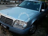 Photo 1993/98 Mercedes Benz E200 2.0 (a)
