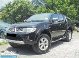 Photo 2009 Mitsubishi Triton 3.2 4x4 Pickup Truck...