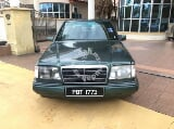 Photo 1988/90 Mercedes Benz E230 2.3 (a)