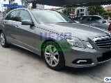 Photo 2010 Mercedes-Benz E300 V6 - Local - Full...