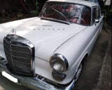 Photo Mercedes-Benz 200D (Fintail)