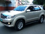 Photo 2013 Toyota Fortuner G diesel