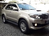 Photo Toyota Fortuner V automatic Auto