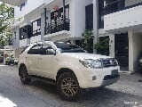 Photo 2011 Toyota fortuner gas