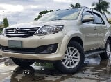 Photo 2012 Toyota Fortuner 4X2 G Diesel Automatic
