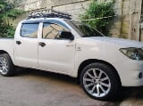 Photo 2010 Toyota Hilux 4x2 MT