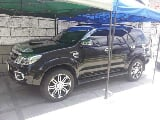 Photo Toyota Fortuner V 4x4 automatic top of the line...