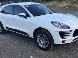 Photo 2016 Porsche Macan White SUV For Sale