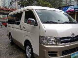 Photo 2010 Toyota Hi Ace Grandia GL
