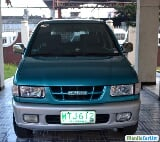 Photo Isuzu Crosswind Automatic 2001