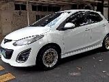 Photo 2013 Mazda 2 Hatchback