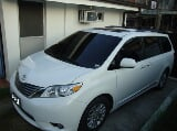 Photo 2013 Toyota Sienna XLE Automatic Transmission