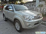 Photo Toyota Fortuner Automatic 2010