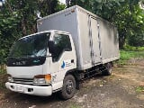 Photo Isuzu Aluminum van Manual