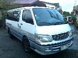 Photo Toyota Hiace Grandia Van 2003 model Lucena city