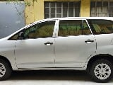 Photo 2013 Toyota Innova J