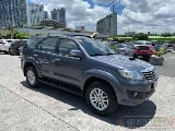 Photo 2014 Toyota Fortuner V diesel a/t 1st owned