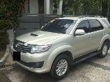 Photo Toyota Fortuner 2. 5V AT Diesel 4x2 Diesel...
